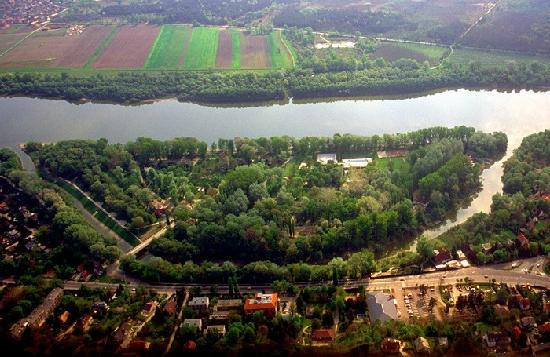 Pap-sziget Camping : Beautiful island of Pap-sziget with a campsite and thermal pool, Szentendre - next Budapest