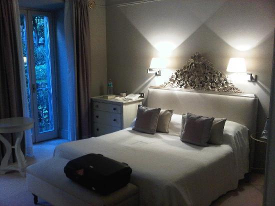 Hotel De Russie: bedroom of our suite