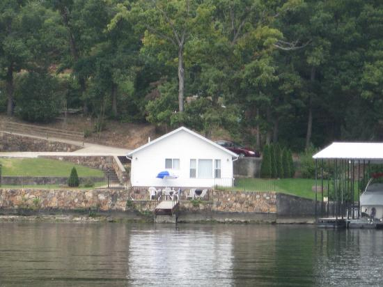 Point Randall Resort: The cabin we stay in