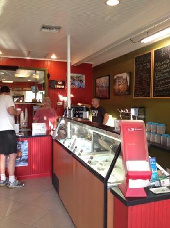 Sanibel Deli & Coffee Factory: Frozen Custard was delicious - so creamy and thick!