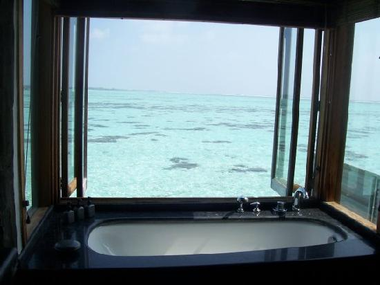 Gili Lankanfushi Maldives: View from bath