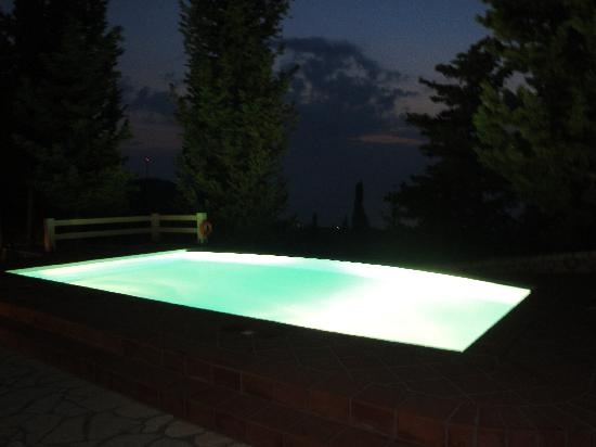 Idilli Villas Lefkada: Lit swimming pool