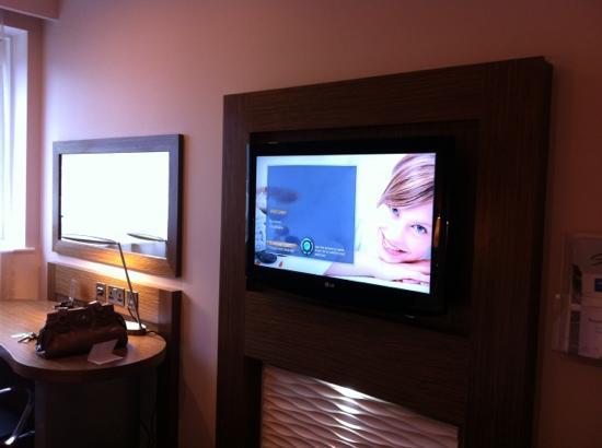 Holiday Inn Derby Riverlights: tv