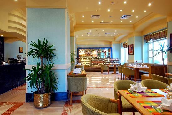Triumph Hotel: Nice cofee shop