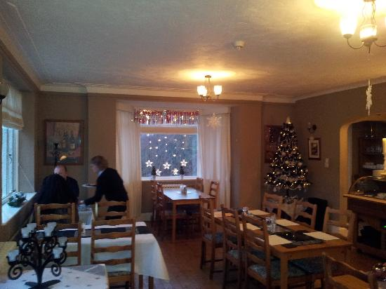 Glenurquhart House Hotel: Dining Area all Christmassy