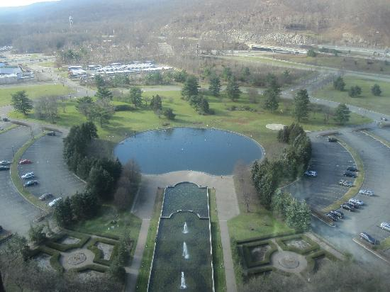 Sheraton Mahwah Hotel: view from glass elevator