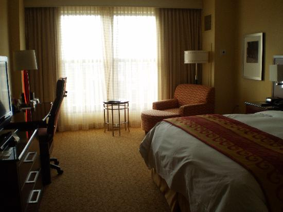 Lancaster Marriott at Penn Square: KING SIZE ROOM