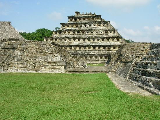 El Tajin: Pyramid of the Niches