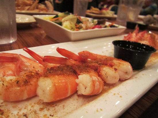Captain George's Seafood Restaurant KDH: shrimp and salad