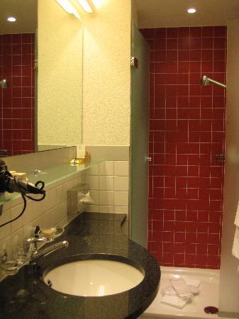 Hotel Rössli: bagno camera 15