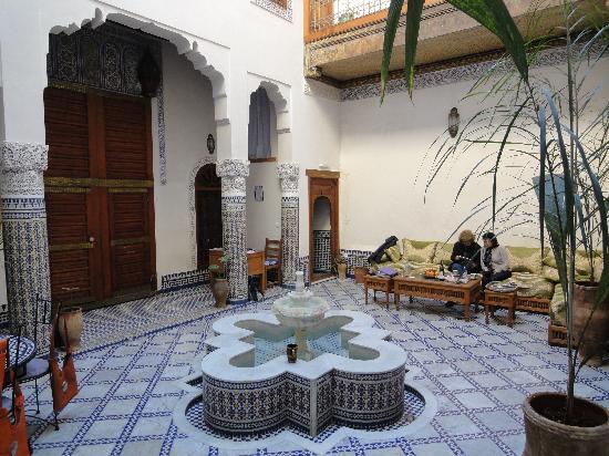 Dar Drissi : Center courtyard, facing bedroom doors and exit.