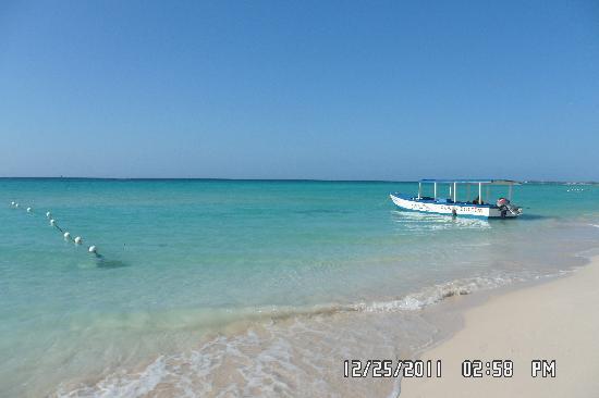 Kuyaba Hotel & Restaurant - Negril: Kuyaba's section of the beach