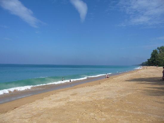 Mai Khao Beach: Looking North