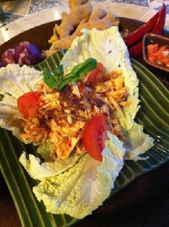 Kecak Bali: チキンサラダ的なもの