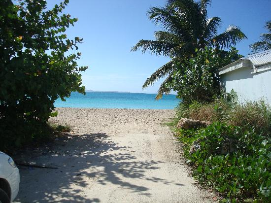 Rendezvous Bay Beach : Path to Rendezvous Bay