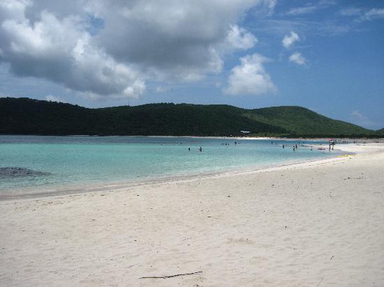 Flamenco Beach: Beautiful water!