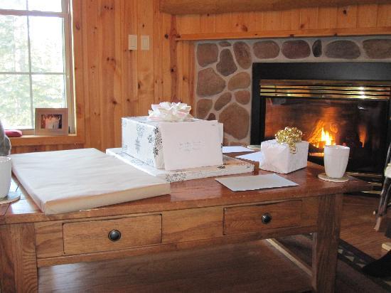 Garmisch USA Resort: The Bean fireplace