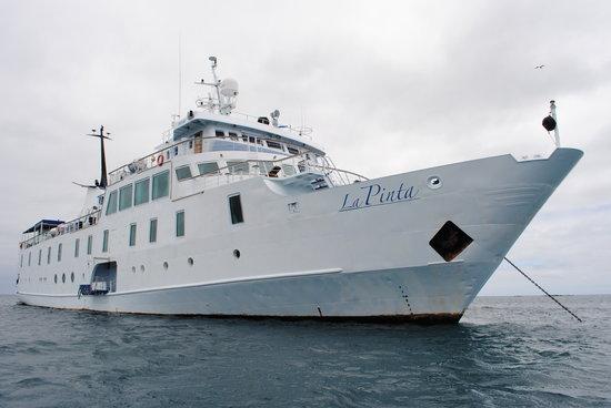 EQ Touring Company - Day Tours: Luxury yacht La Pinta
