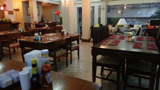 Sourire @ Rattanakosin Island: Salle petit déjeuner