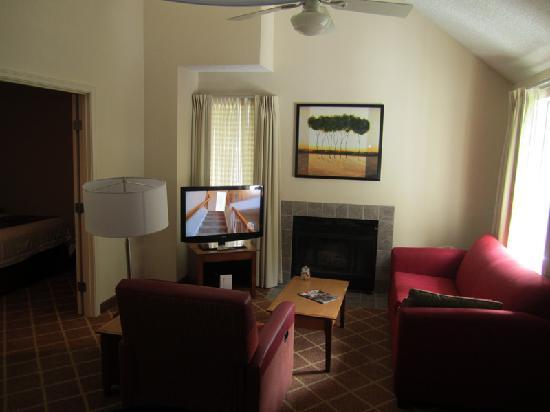 Residence Inn Seattle Bellevue: living room