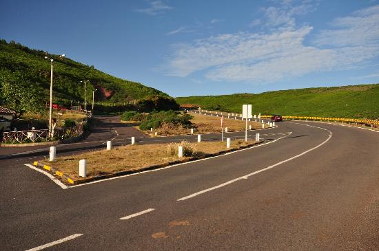 Pastor do Paúl Grill: Road to Encumeada, Churrascaria & Pub '' Pastor do Paul Grill '' – Pico da Urze, Madeira, 2011