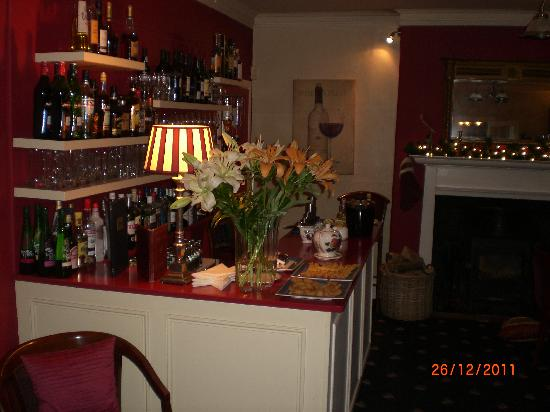 Farthings Country House Hotel and Restaurant : The Comfortable Bar