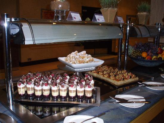 Radisson Blu Resort & Spa, Malta Golden Sands: food