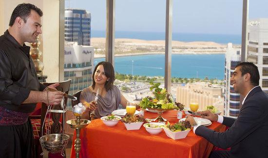 Swiss-Belhotel Corniche : Al Hawara Resturant
