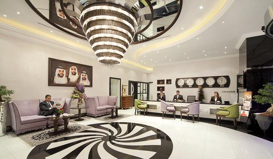 Swiss Hotel Corniche: Hotel Lobby