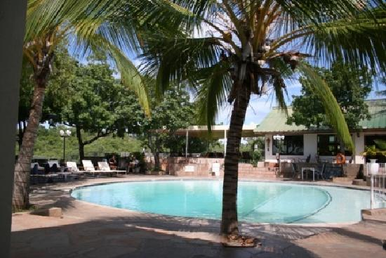Lake Kariba Inns: Round swimming pool