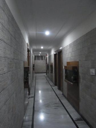 Hotel Hari Piorko: 廊下