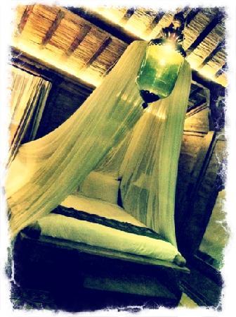أدارابورا ريزورت آند سبا: our romantic bed