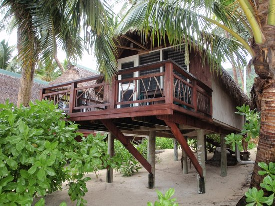 Paradise Cove Lodges: Our bungalow