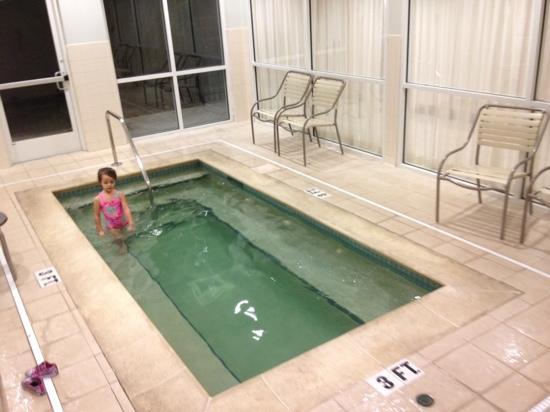 Courtyard Jacksonville Flagler Center: inside jacuzzi