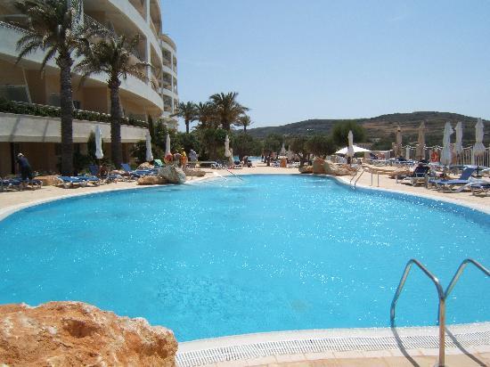 Radisson Blu Resort & Spa, Malta Golden Sands: the members pool