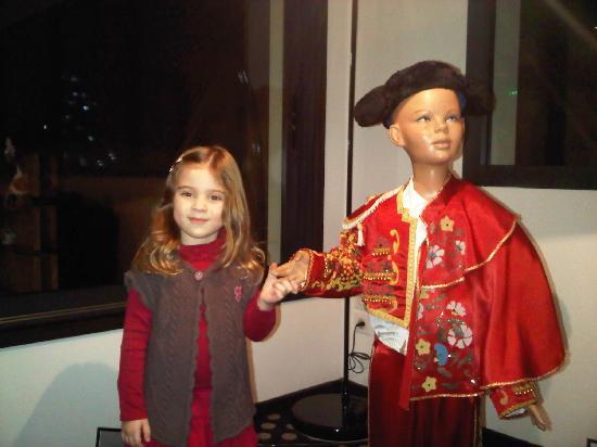 Hotel 202: Notre fille s'est trouvé un copain !