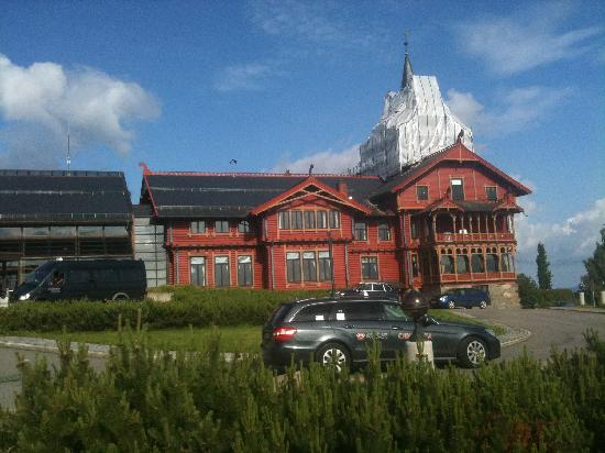 Scandic Holmenkollen Park: The main building of the hotel
