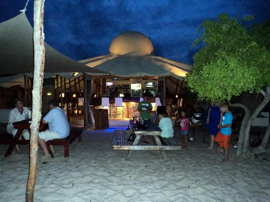 Casa Cabana Beach: Casbah at night