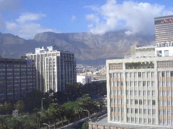 Capetonian Hotel: view from bedroom