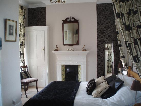 The Langtons Guesthouse: The Regency Room