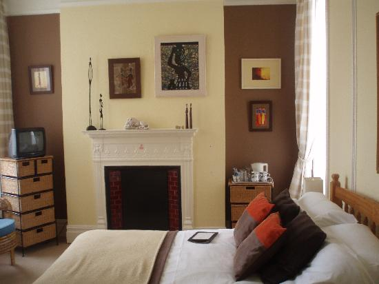 The Langtons Guesthouse: The African Room
