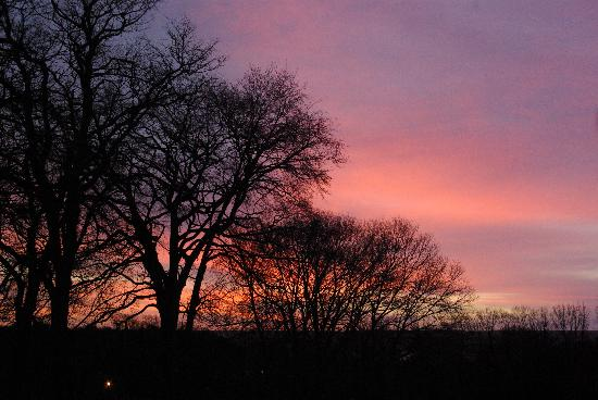 Morven House Guest House: Sunrise from Guest House