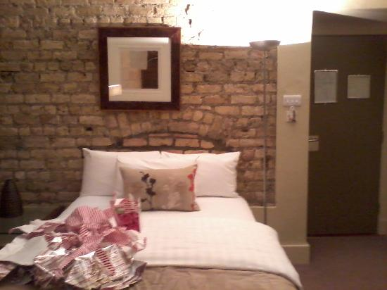 Becketts Hotel: lovely exposed brick walls..ignore wrapping paper mess:-)