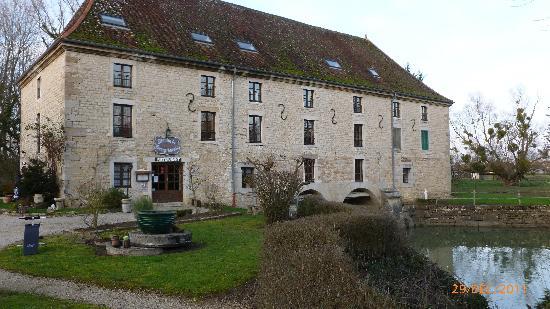 Hotel Restaurant Moulin de Bourgchateau : le Moulin de Bourgchâteau