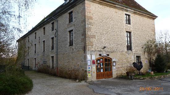 Hotel Restaurant Moulin de Bourgchateau : Entrée de l'hôtel