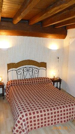Hotel Restaurant Moulin de Bourgchateau : la chambre N°2