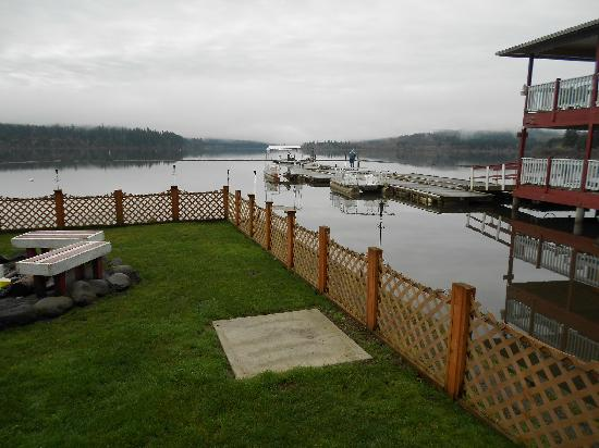 Silver Lake Resort: View from the grassy area