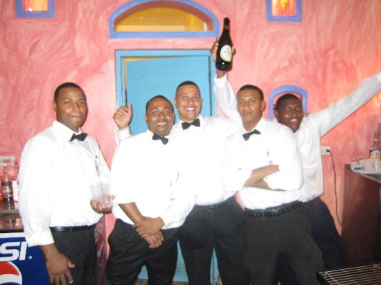 VH Gran Ventana Beach Resort: These guys will make sure your glass stays full: Santana, Elvyn, Antonio