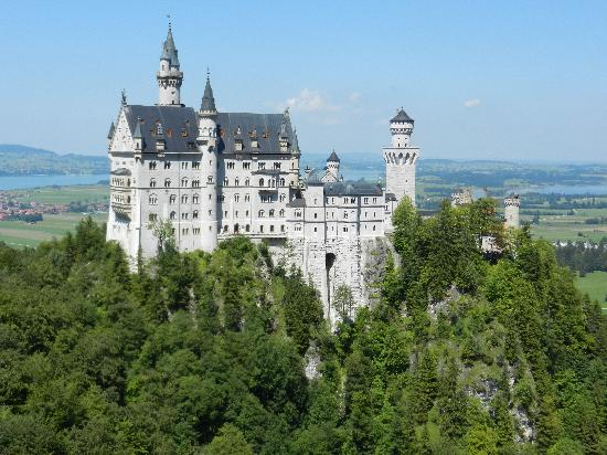 Neuschwanstein: View from bridge