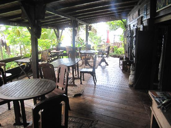 Tainos Cottages : the dining area. breakfast here is a once in a lifetime experience
